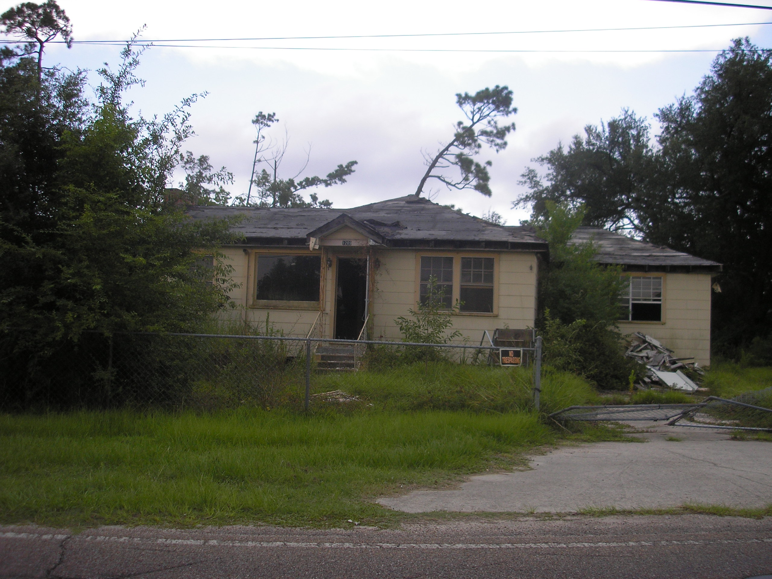 """What's even sadder are all the lots that need to be vacant and aren't. These """"katrina-was-yesterday"""" looking homes are """"one here and there"""" all over the Coast."""
