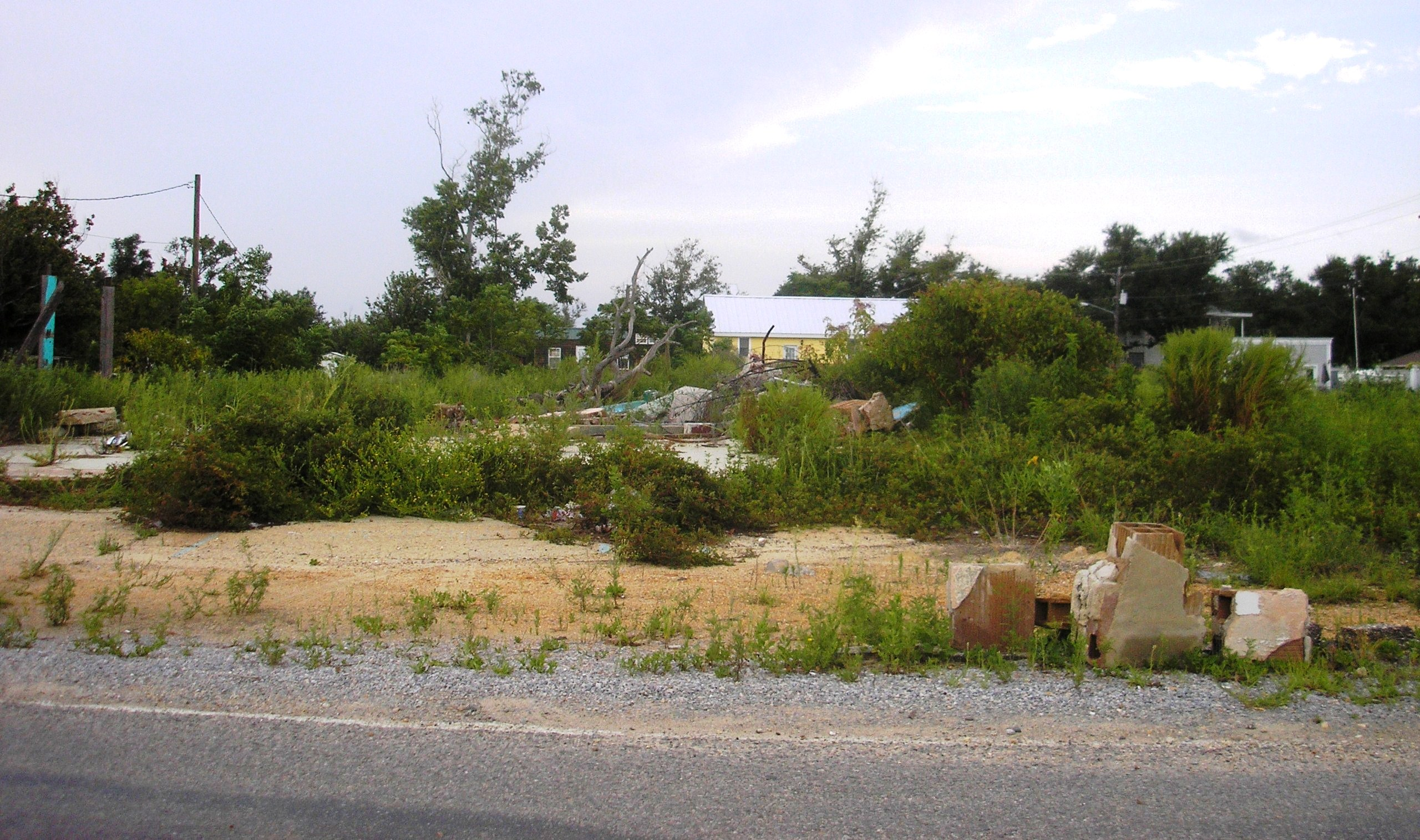 Lot on Beach Boulevard 3 years after Katrina